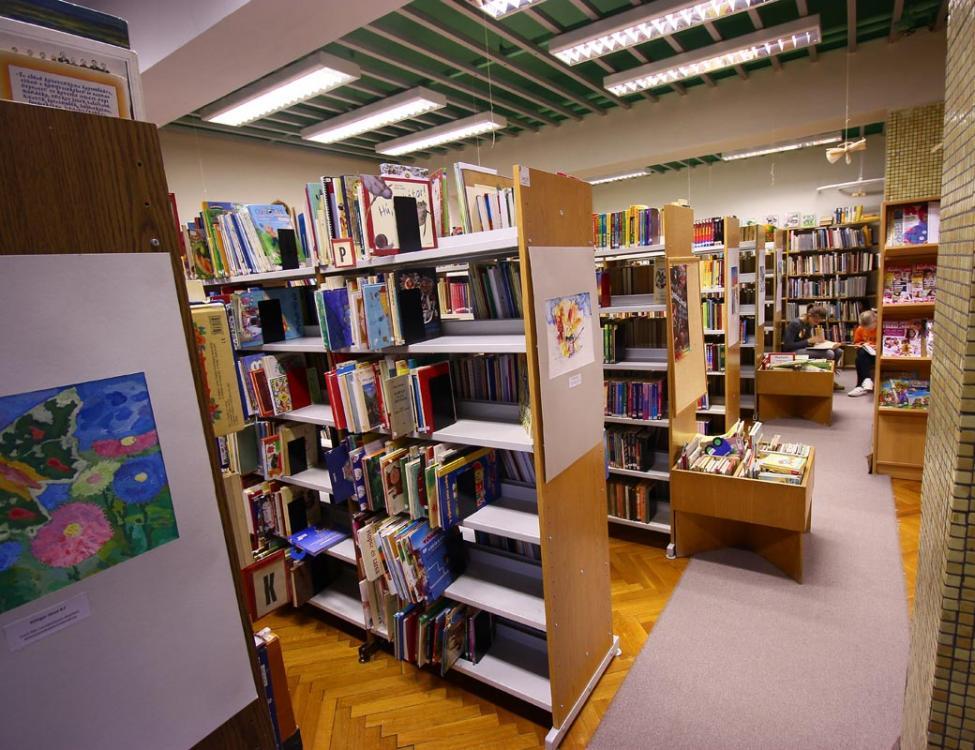 Csipkefa Gyermekkönyvtár